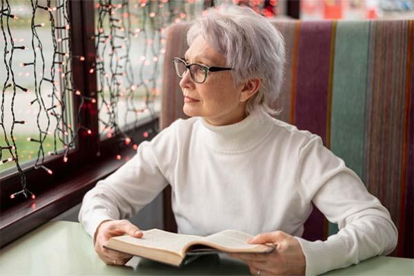 lợi ích đọc sách Rèn luyện trí não không ngừng